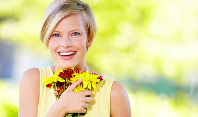 Κάνε τα λουλούδια να κρατήσουν διπλά στο βάζο