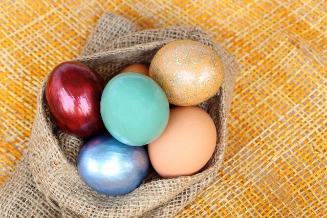 Πασχαλινά αβγά: όλα τα κόλπα και οι τεχνικές!