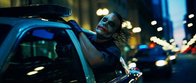 36. The Dark Knight (2008) Εισπράξεις παγκοσμίως: $1,004,558,444  Εισπράξεις πρώτου Σαββατοκύριακου: $158,411,483 Κόστος παραγωγής: $185 εκατομμύρια