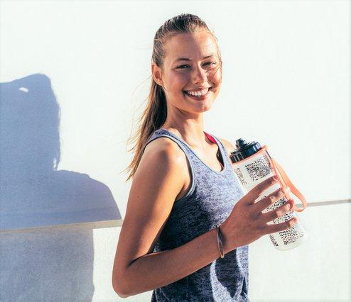 Πίνεις αρκετό νερό; Δες τις 8 ενδείξεις που λένε ότι όχι!