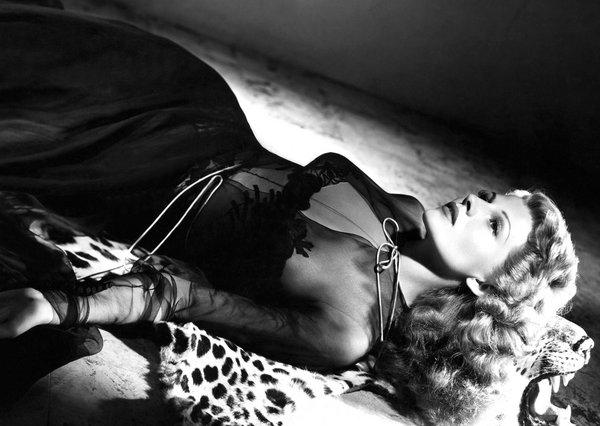 Η σαγηνευτική Ρίτα Χέιγουορθ στη «Γκίλντα» (1946) του Τσαρλς Βίντορ