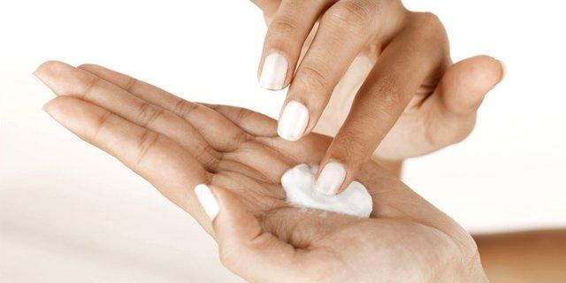 Τι να προσθέσεις στην ενυδατική των χεριών σου για ακόμα πιο απαλό δέρμα