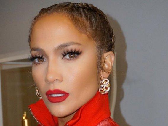 H κορυφαία ανάρτηση της Jennifer Lopez με το απίστευτο κορμί της που σάρωσε μέσα σε 11 ώρες