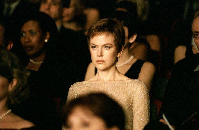 Γέννηση (2004) του Τζόναθαν Γκλέιζερ Μπορεί η μαμά σας να εκτιμά τη Νικόλ Κίντμαν, αλλά αυτή η ταινία μπορεί να την αρρωστήσει!  Η ιστορία μιας χήρας που θρηνεί το σύζυγό της και παράλληλα ερωτεύεται