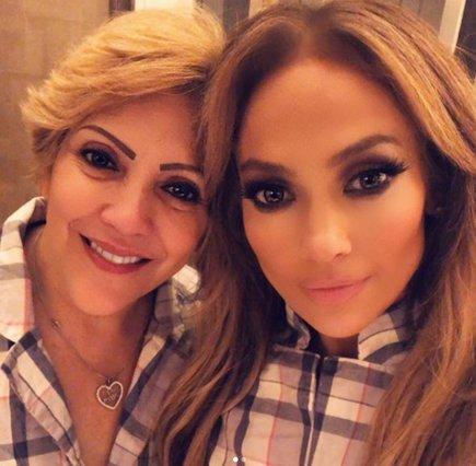 Ημέρα της Μητέρας: Πώς τίμησαν την γιορτή οι celebrities;