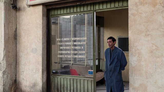 59ο ΦΚΘ: Ο Ματέο Γκαρόνε επιστρέφει στον κόσμο του εγκλήματος με έναν ταπεινό θρίαμβο