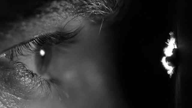Βίντεο: Μέσα από την κλειδαρότρυπα