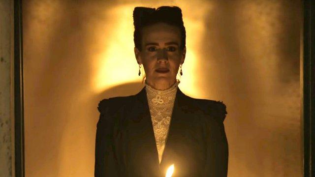 Το Murder House συναντά το Coven: Πρώτο τρέιλερ για το «American Horror Story: Apocalypse»