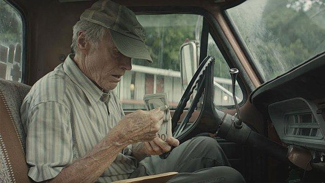 Τρέιλερ «The Mule»: Κλιντ Ίστγουντ και Μπράντλεϊ Κούπερ σε μία παράνομη διακίνηση για... όσκαρ;