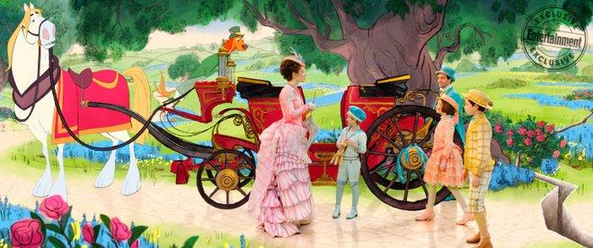 Η Έμιλι Μπλαντ προσγειώνεται μαγικά! Νέες φωτογραφίες από το «Mary Poppins Returns»
