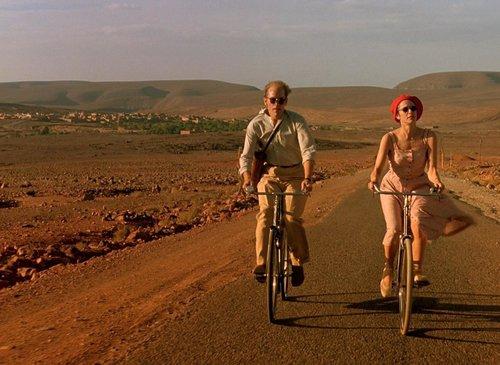 «Bertolucci»: Μαγευτικά κινηματογραφικά ταξίδια με οδηγό τον Μπερτολούτσι στο Ιντεάλ