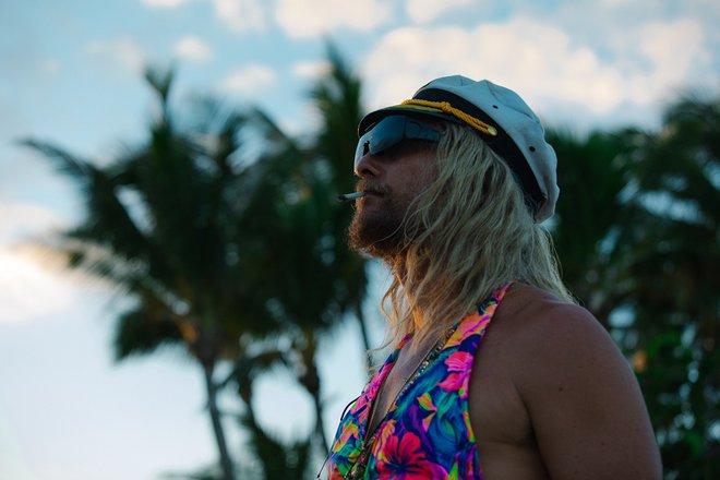 Πόσο «Παραλίας» είναι τελικά ο Μάθιου ΜακΚόναχι; [photos]