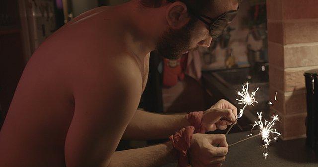Τα «Σπινθηροβόλα Κεράκια» του Θανάση Νεοφώτιστου στο μεγαλύτερο LGBTQ+ Φεστιβάλ Κινηματογράφου του κόσμου!