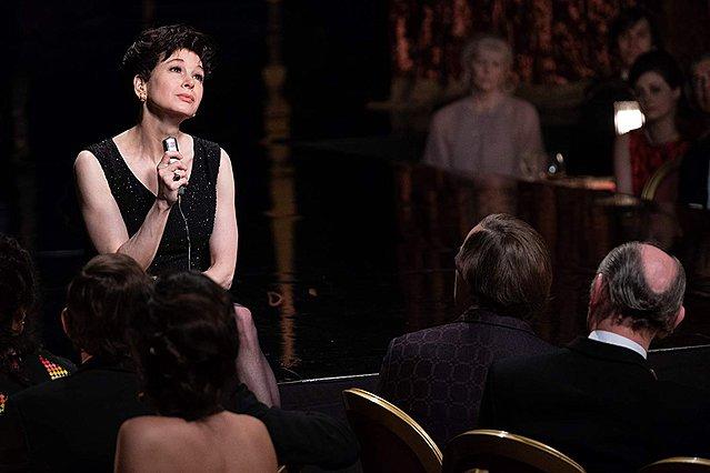 Τρέιλερ «Judy»: Η Ρενέ Ζελβέγκερ μεταμορφώνεται (οσκαρικά) σε Τζούντι Γκάρλαντ