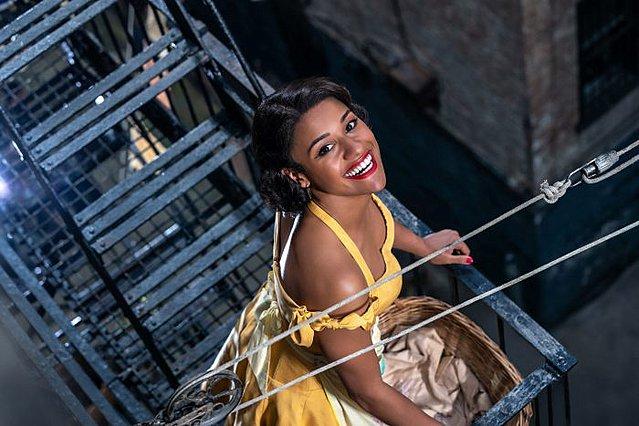 I like the island Manhattan! Πρώτη φωτογραφία της Anita από το «West Side Story» του Στίβεν Σπίλμπεργκ