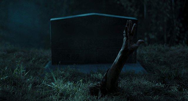 Ταινία της Εβδομάδας: Ο Τζάρμους «τζαμάρει» με τους all star φίλους του σε έναν κόσμο απέθαντων