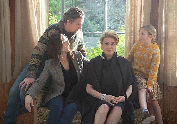 Η «Αλήθεια» του Κόρε Έντα με Ζιλιέτ Μπινός, Κατρίν Ντενέβ και Ίθαν Χοκ ανοίγει το Φεστιβάλ Βενετίας