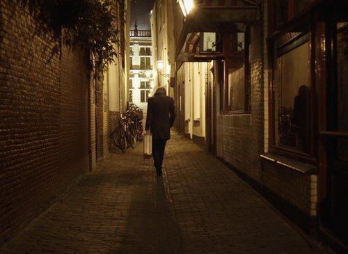 Βαδίζοντας σε Αντίθετη Κατεύθυνση / Walking in the Opposite Direction
