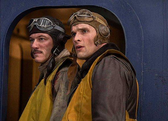 Ο Ρόλαντ Έμεριχ γυρνά στον Β' Παγκόσμιο Πόλεμο παρέχοντας πατριωτισμό και ανατινάξεις στο τρέιλερ του «Midway»