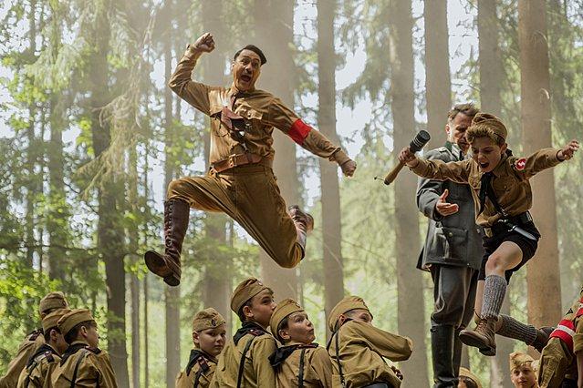 Θα εμφανιστεί ο Χίτλερ στα Όσκαρ; Το «Jojo Rabbit» κέρδισε στο Τορόντο και πάει για το μεγάλο στοίχημα της χρονιάς