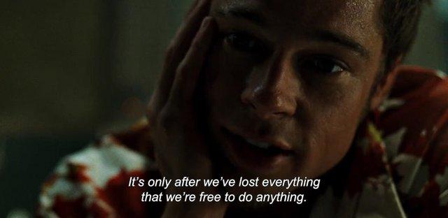 «Fight Club» (1999) του Ντέιβιντ Φίντσερ  Είκοσι χρόνια πριν το «Joker», ένα μεγάλο χολιγουντιανό στούντιο κυκλοφόρησε στην εκπνοή του 20ου αιώνα μία εκρηκτική φιλμική παρατήρηση της Generation X. Λίγ