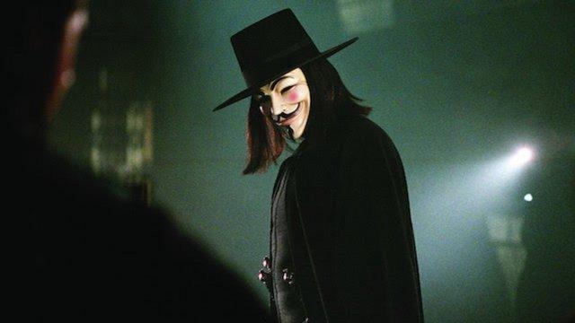 V for Vendetta (2005) του Τζέιμς ΜακΤιγκ  Διασκευάζοντας το ομότιτλο κόμικ των Αλαν Μουρ, Ντέιβιντ Λόιντ και σε ευθύ διάλογο με την πολιτική επικαιρότητα των Μπους και Μπλερ μετά την τρομολαγνεία της