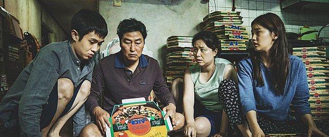 Βίντεο: Ο Μπονγκ Τζουν-Χο ανατέμνει την αρχική σκηνή των «Παράσιτων»