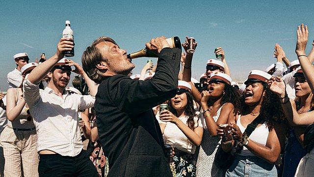 Τo «Another Round» του Τόμας Βίντερμπεργκ κέρδισε την Καλύτερη Ταινία στο Φεστιβάλ του Λονδίνου