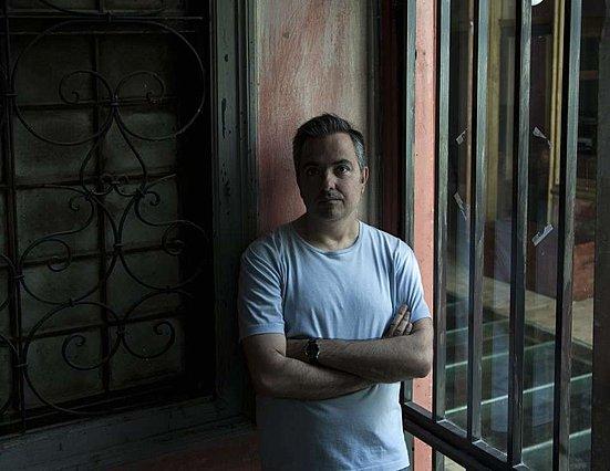 Ηλίας Γιαννακάκης: Η «Μεταφορά» είναι μία υπαρξιακή περιπέτεια, με μορφή ντοκιμαντέρ