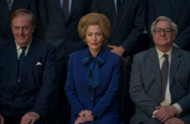 Σιδηρά Κυρία Vs Βασίλισσα Ελισάβετ: Η αλλαγή προκαλεί την παράδοση στο νέο τρέιλερ «The Crown»