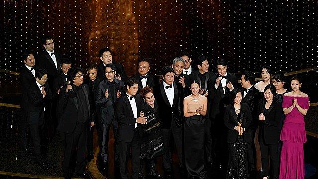 PARASNIGHT! Τα «Παράσιτα» κέρδισαν 4 Όσκαρ, μεταξύ των οποίων Καλύτερης Ταινίας, κι έγραψαν ιστορία