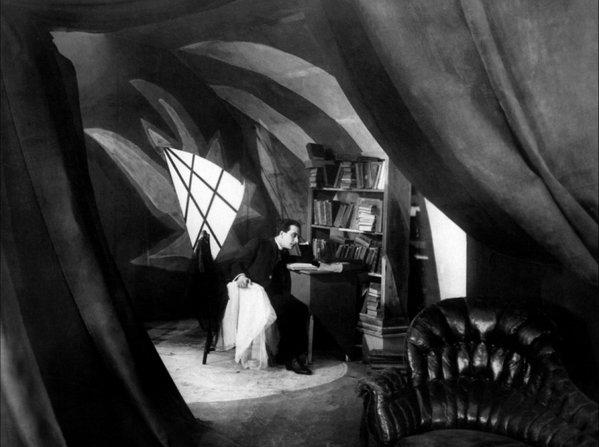 «Το Εργαστήρι του Δρ. Καλιγκάρι» (1920) του Ρόμπερτ Βίνε, Σκηνογραφία: Βάλτερ Ράιμαν, Βάλτερ Ρέριγνκ, Χέρμαν Βαρμ